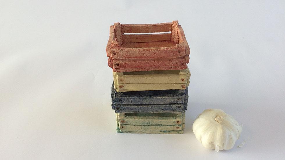Keramiek kistjes. Gemaakt van klei, gedecoreerd en gebakken